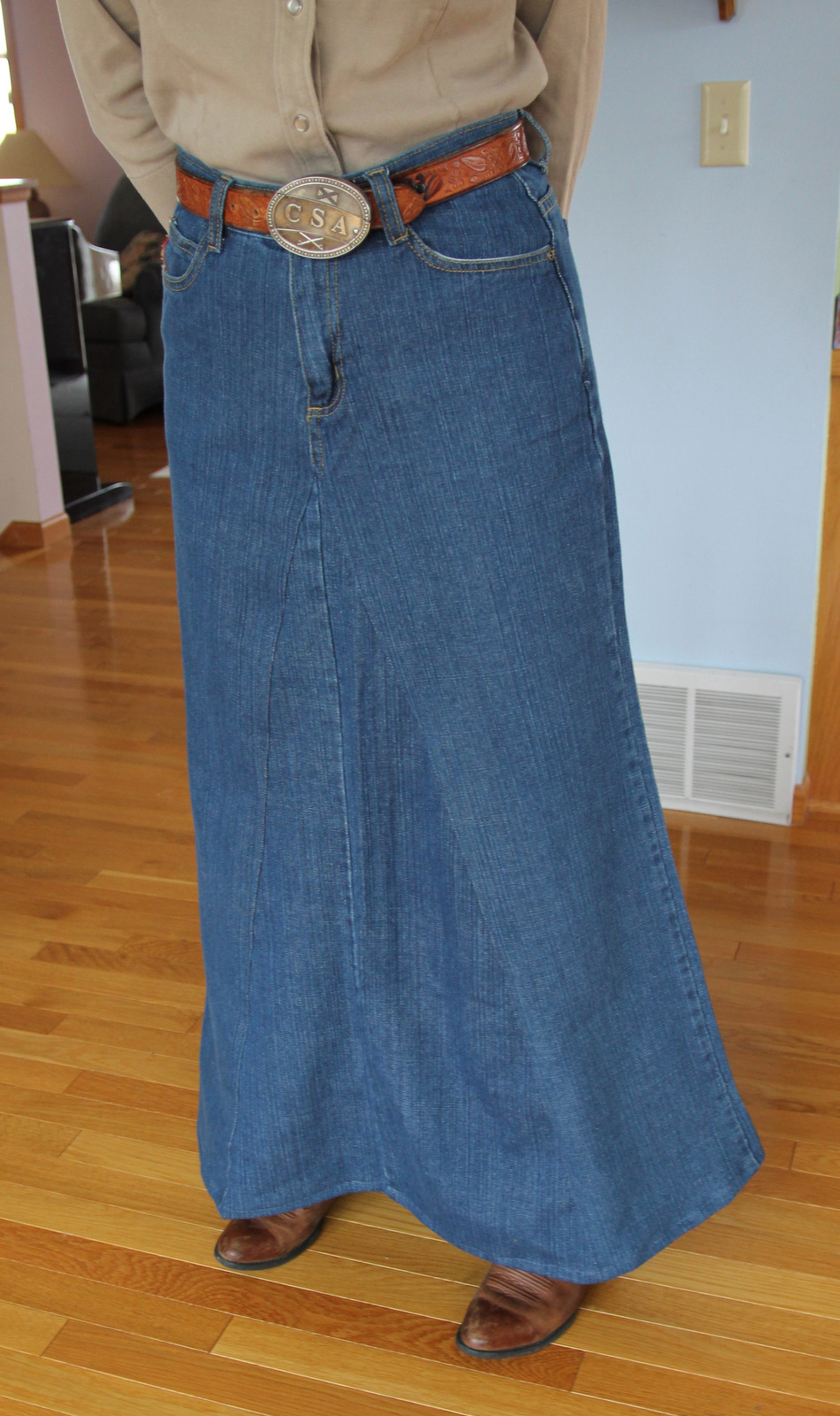 Fantastic! I just made a long skirt from two pair of jeans using two triangles, front and back. I can' wait to try this with 4 triangles! Love the instructions. Jean skirts are the best! Reply. Samantha. May 18, at am. Omg! A great tute! I have been trying to think this out in my head for yrs!